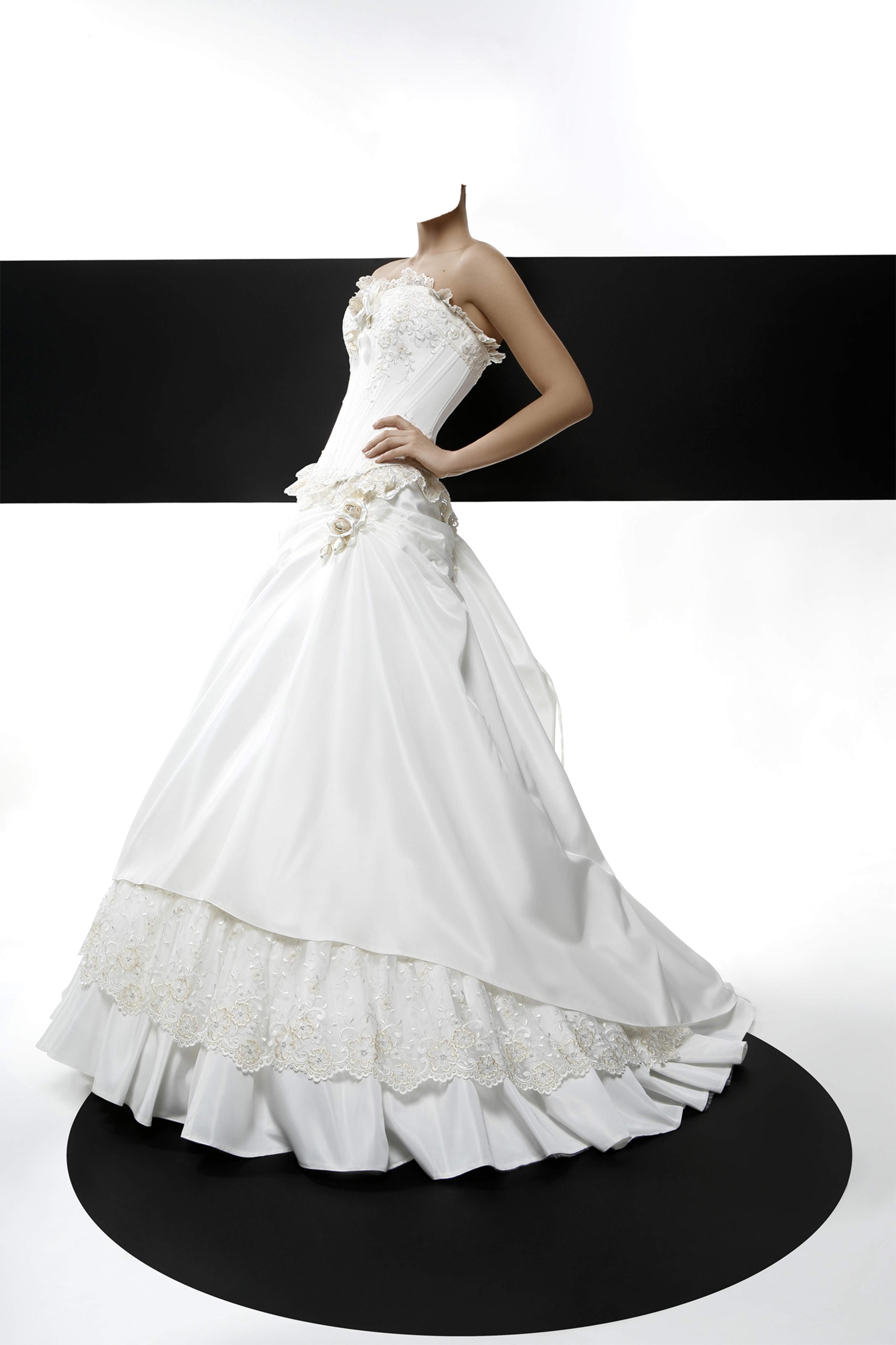 В свадебном платье фотошоп